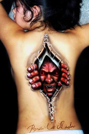 Tattoos Skin on Skin Ripping Tattoos 12 Most Unbelievable Ripped Skin Tattoos Bit