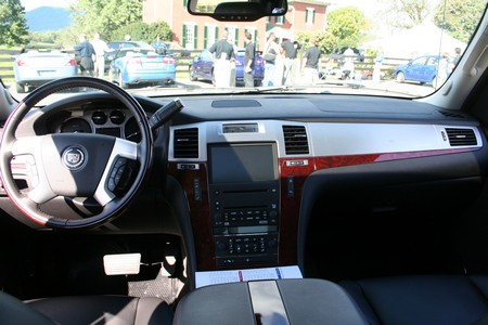 A New York Minute With The 2007 Cadillac Escalade Ext Autoblog