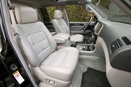 la auto show lexus to build 400 lx470 limited editions. Black Bedroom Furniture Sets. Home Design Ideas