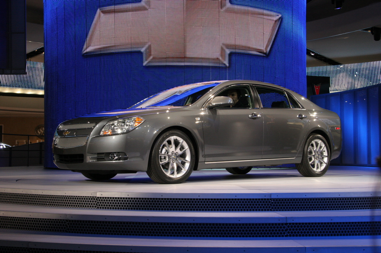 gm recalling 67k chevy malibu pontiac g6 and saturn aura. Black Bedroom Furniture Sets. Home Design Ideas