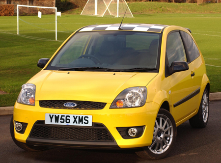 Auto Racing  Rules  Yellow Flag on Ford Bites Mini S Flavour With Uk  Chequered Flag  Model