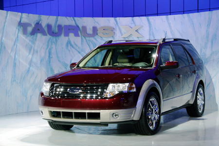 chicago auto show 2008 ford taurus x unveiled. Black Bedroom Furniture Sets. Home Design Ideas