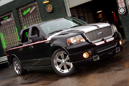 to view five desktop wallpaper-sized pics of the F-150 Foose Edition