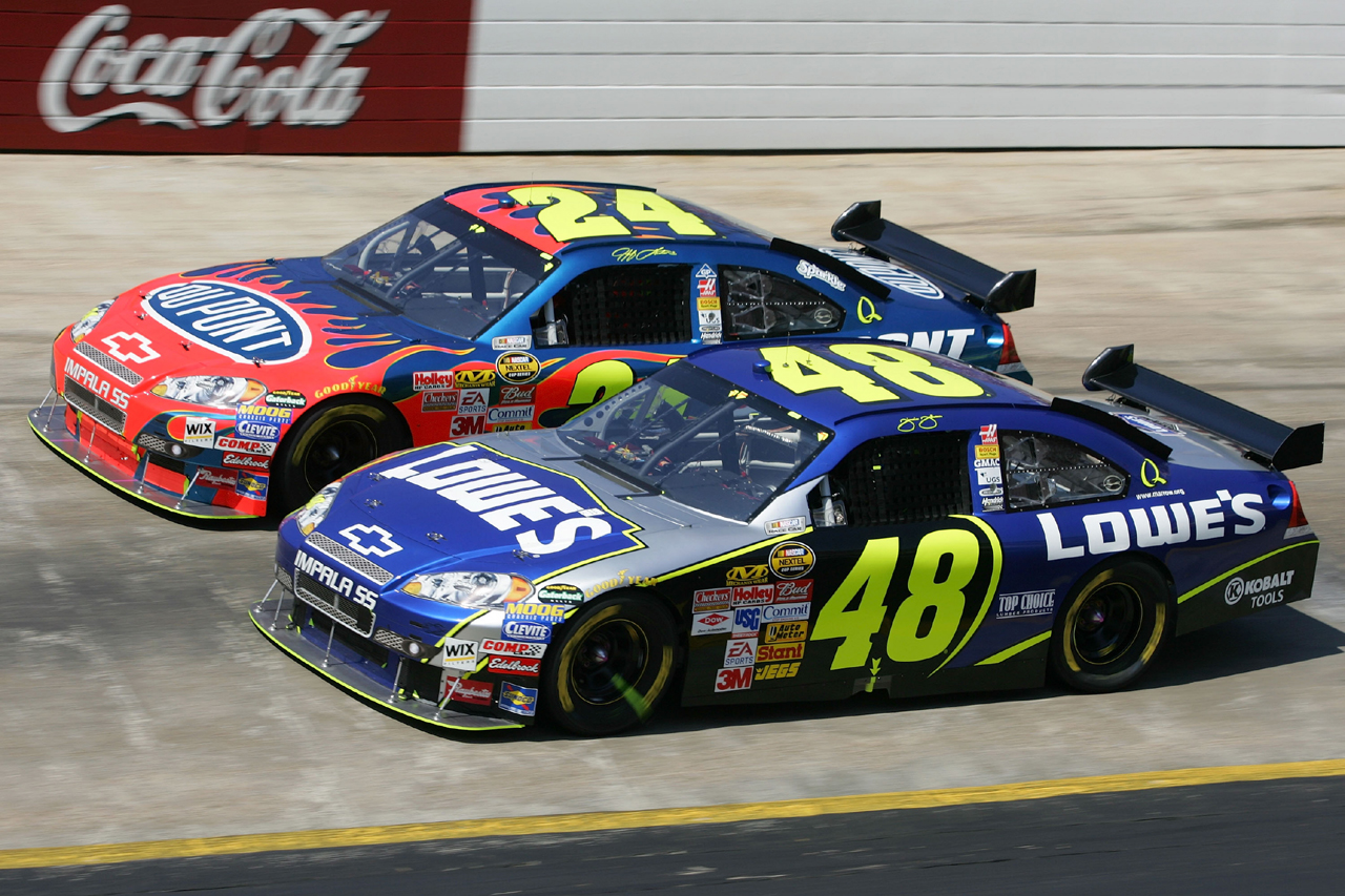 Pit stop automobiles nascar showcase for What motor does nascar use