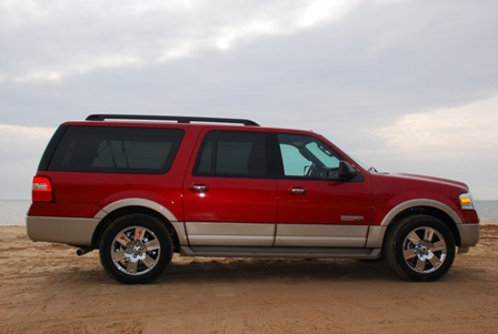 Click any image to view our 2007 Ford Expedition EL gallery of pics