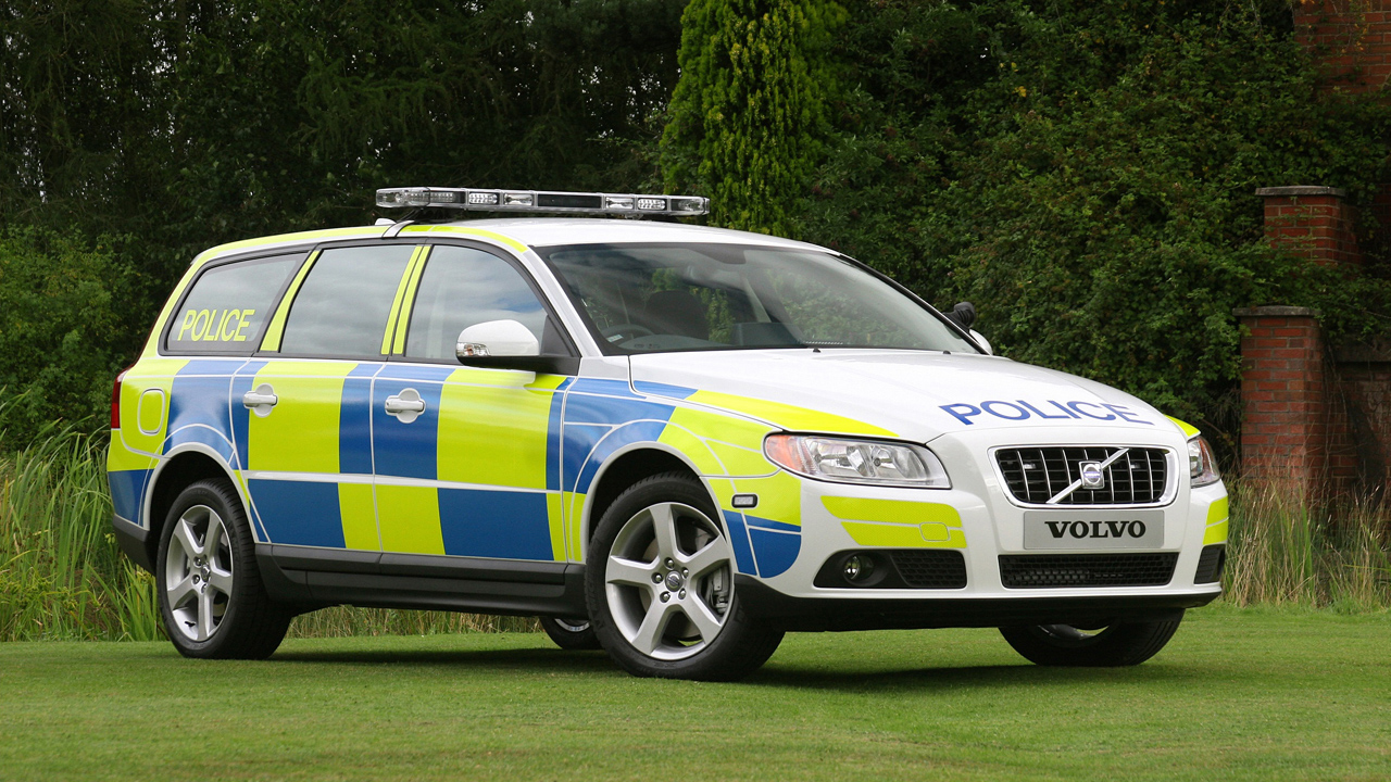 volvo v70 uk police car photo gallery autoblog. Black Bedroom Furniture Sets. Home Design Ideas