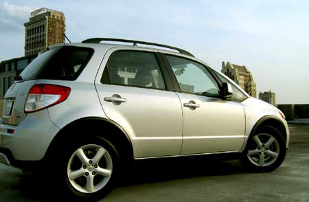 Suzuki Sx4 2011. The SX4 is a decent looking