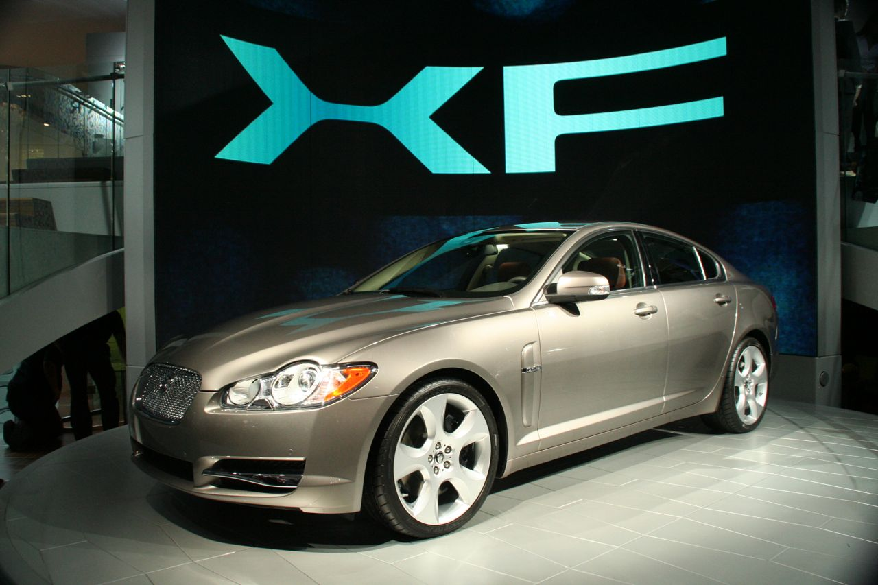2009 jaguar xf photo gallery autoblog. Black Bedroom Furniture Sets. Home Design Ideas