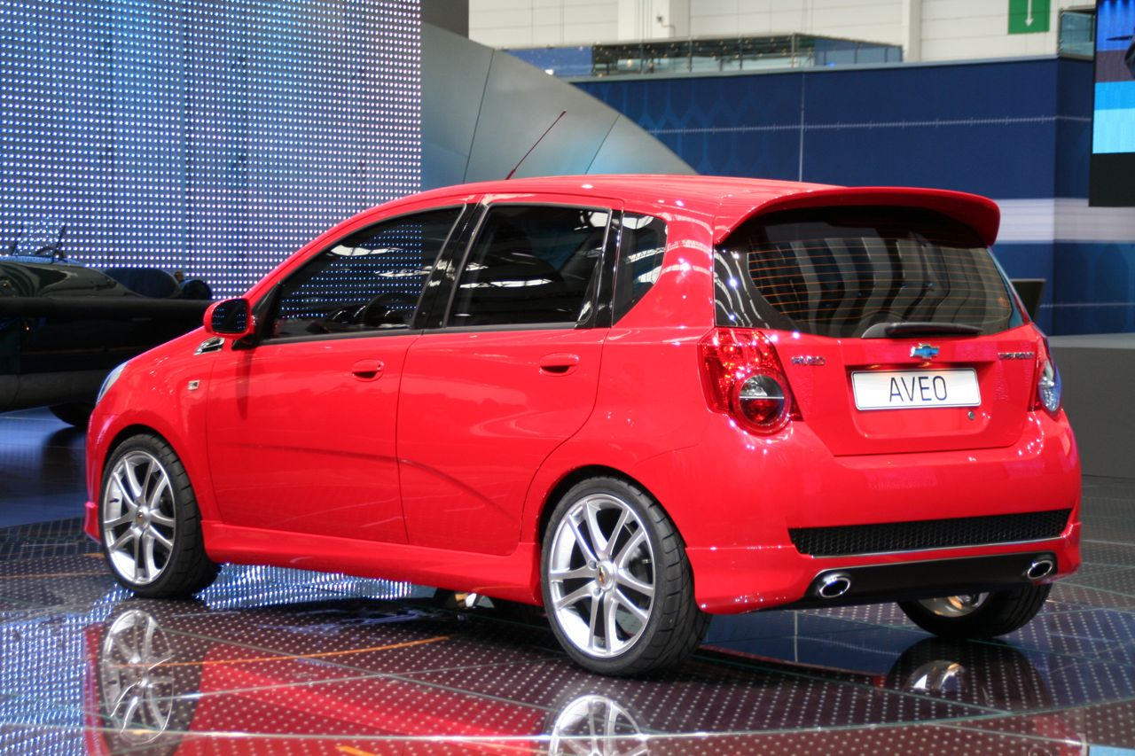 2008 chevy aveo 5 door eu photo gallery autoblog. Black Bedroom Furniture Sets. Home Design Ideas