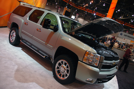 above image to view more high-res shots of the Suburban HD Z71 Diesel