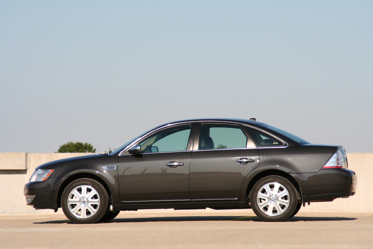 2008 ford taurus limited awd photo gallery autoblog. Black Bedroom Furniture Sets. Home Design Ideas