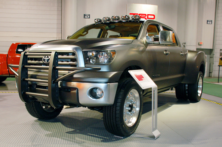 click above image to view more pics of the Toyota Tundra Diesel Dually