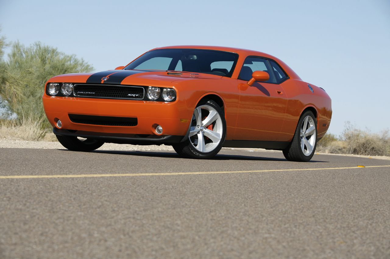 2008 dodge challenger srt8 photo gallery autoblog. Cars Review. Best American Auto & Cars Review