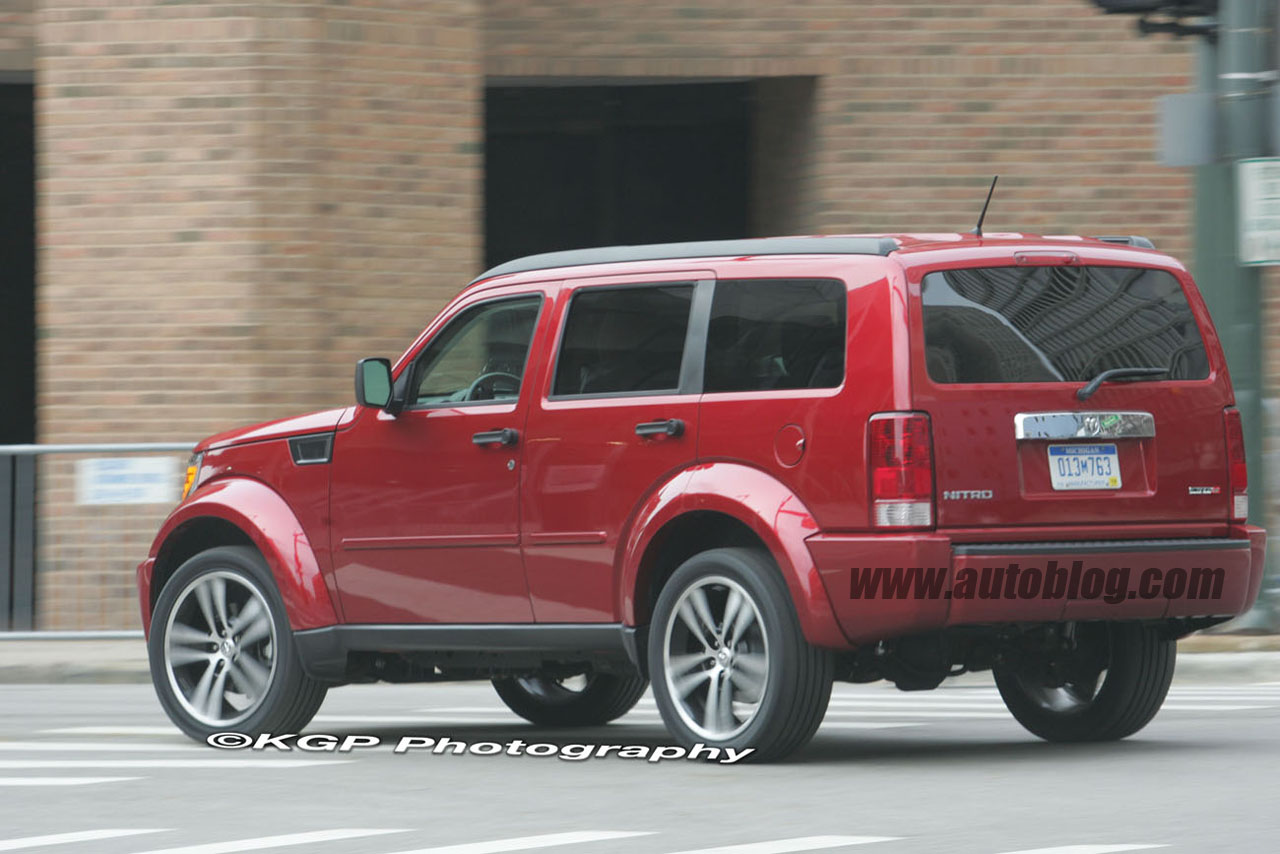 Dodge Nitro SRT 8 spy shots Gallery Autoblog