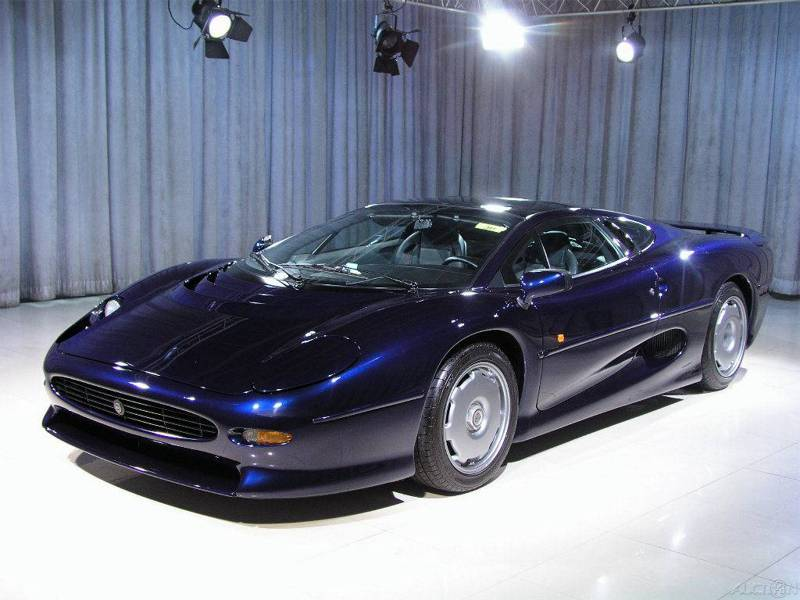 Jaguar XJ220 on eBay Motors Photo Gallery - Autoblog
