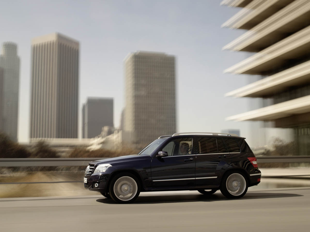 Mercedes recalls 126k c glk class models for airbag for Recall on mercedes benz c300