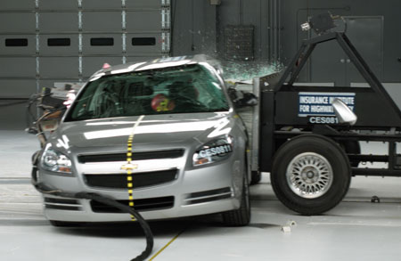 Iihs Midsize Smack Down Side Impact Ratings Better Rear