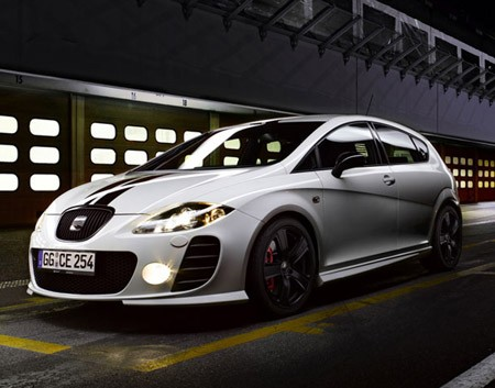 seat reveals limited edition leon supercopa. Black Bedroom Furniture Sets. Home Design Ideas