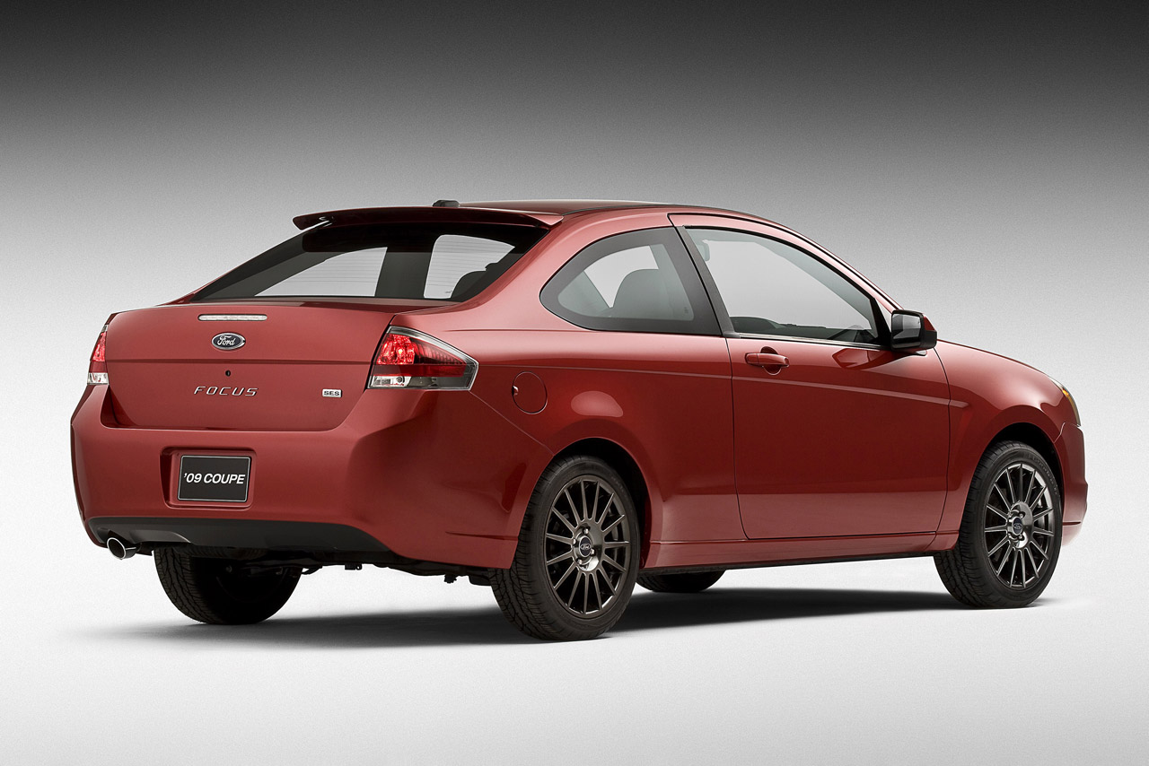 2009 ford focus coupe photo gallery autoblog. Black Bedroom Furniture Sets. Home Design Ideas