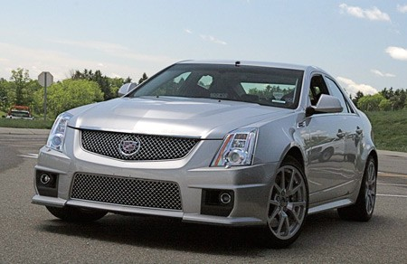 first ride burning rubber in the 2009 cadillac cts v w video autoblog. Black Bedroom Furniture Sets. Home Design Ideas