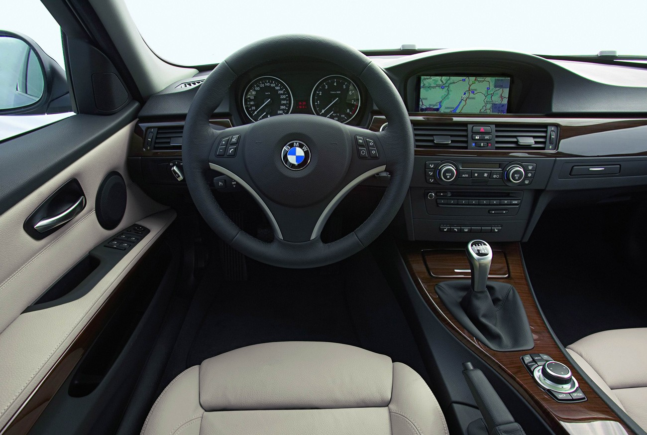 2009 BMW 3 Series Photo Gallery
