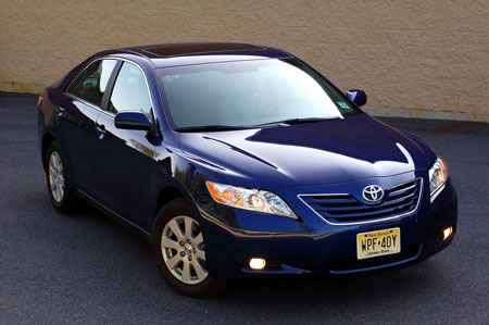 review 2009 toyota camry xle. Black Bedroom Furniture Sets. Home Design Ideas