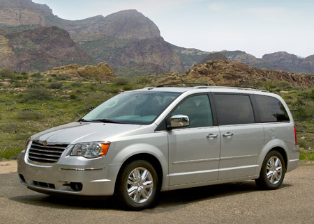 chrysler ekes out additional 2 mpg on 2009 minivans autoblog. Black Bedroom Furniture Sets. Home Design Ideas