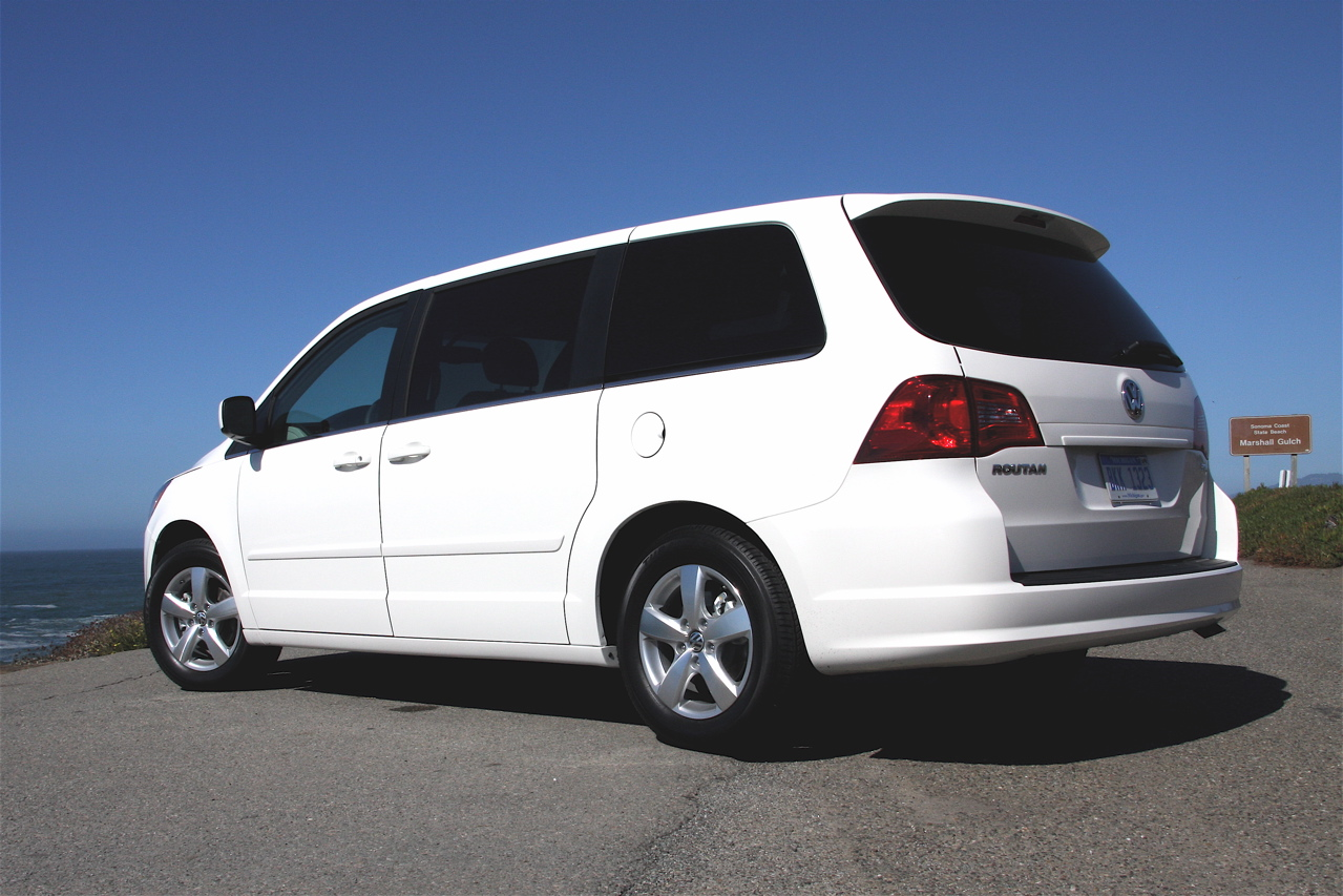 18k vw routan minivans added to ignition switch recall list autoblog. Black Bedroom Furniture Sets. Home Design Ideas