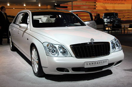 Click above for highres gallery of the Maybach 62 Landaulet