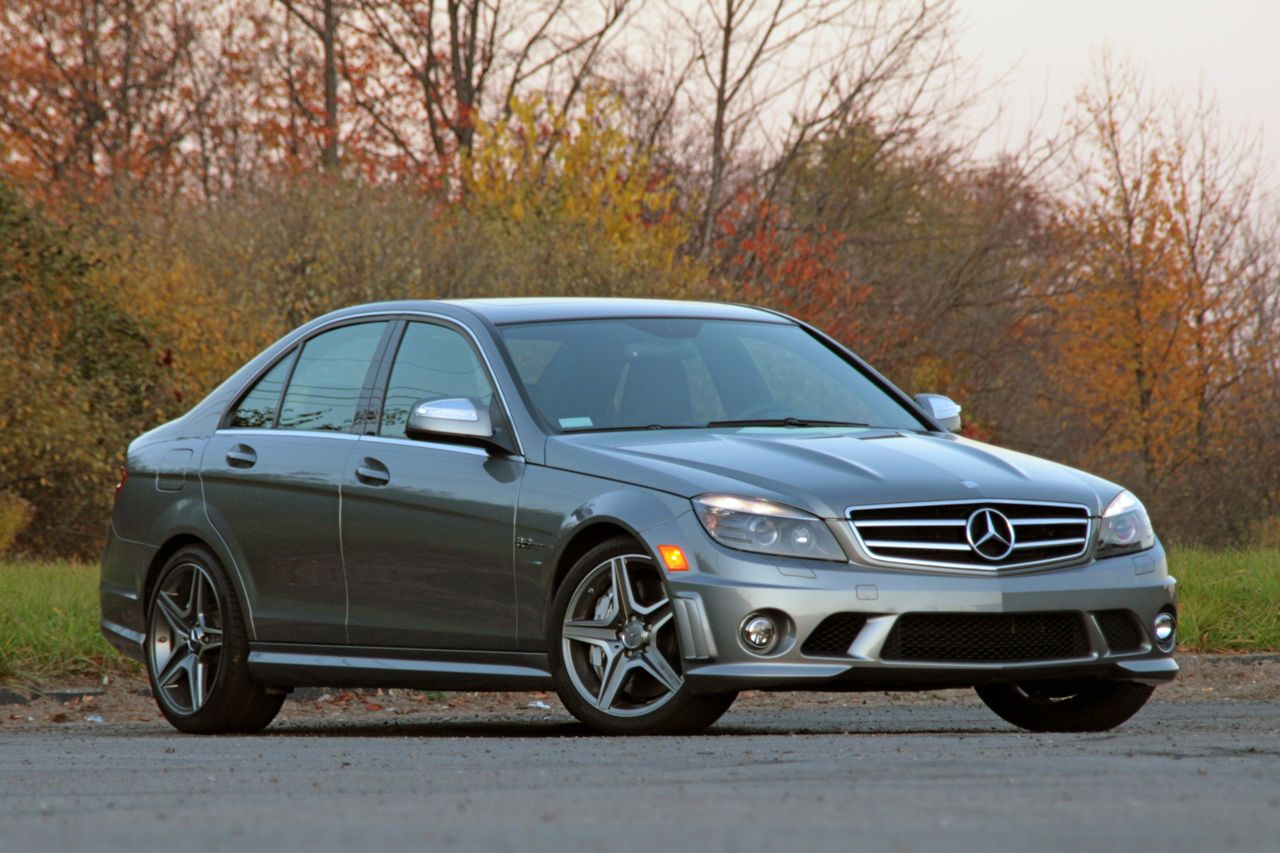Review 2009 mercedes benz c63 amg photo gallery autoblog for Mercedes benz c63 amg review