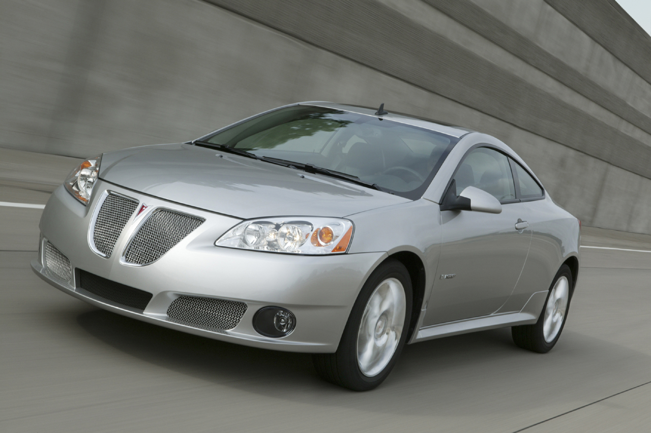 2009 pontiac g6 gxp photo gallery autoblog. Black Bedroom Furniture Sets. Home Design Ideas