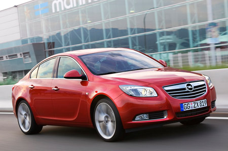 258178 opt Opel / Vauxhall Insignia Wins Car Of The Year 2009