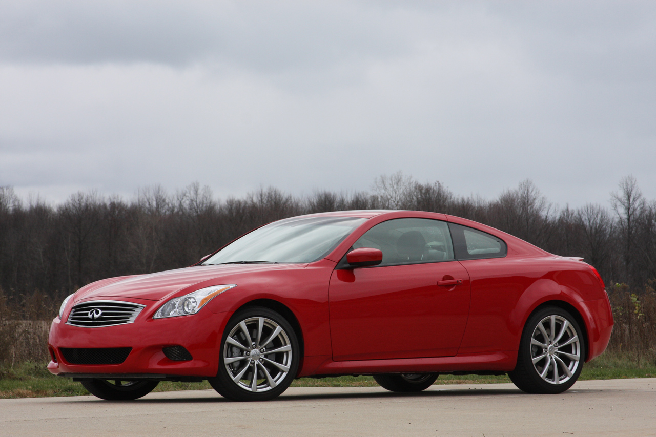 review 2009 infiniti g37 coupe photo gallery autoblog. Black Bedroom Furniture Sets. Home Design Ideas