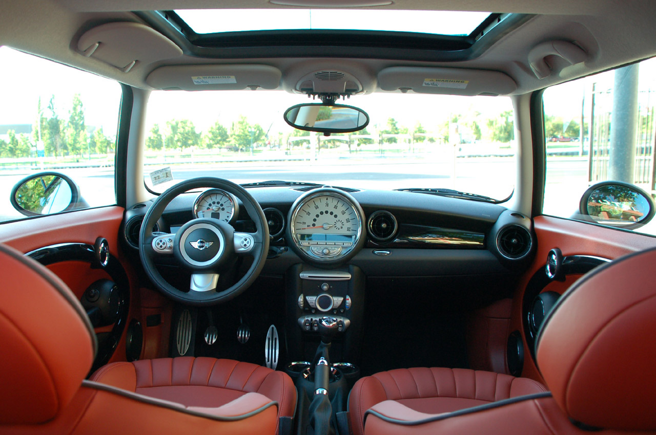 1000 images about mini cooper on pinterest mini cooper for Mini cooper s interieur