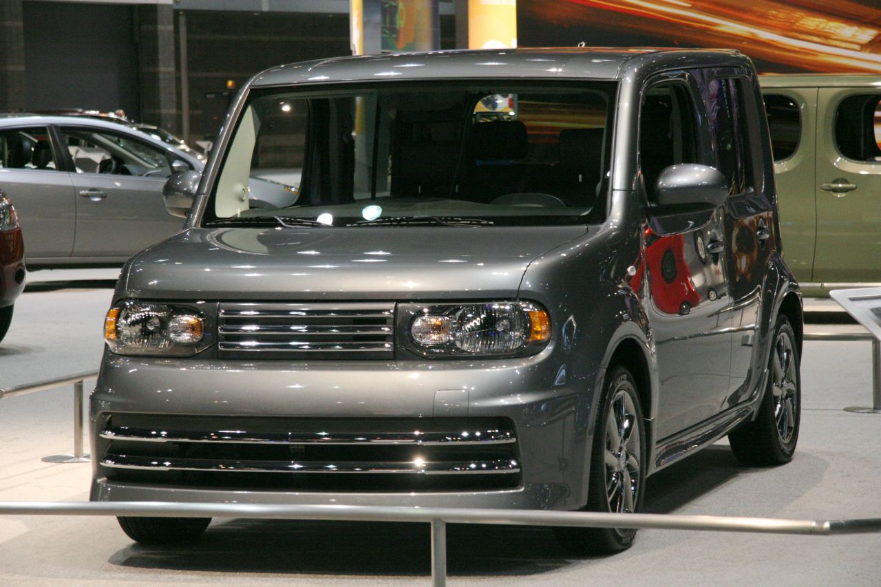 chicago 2009 nissan cube and cube krom photo gallery. Black Bedroom Furniture Sets. Home Design Ideas