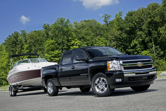 silverado towing boat