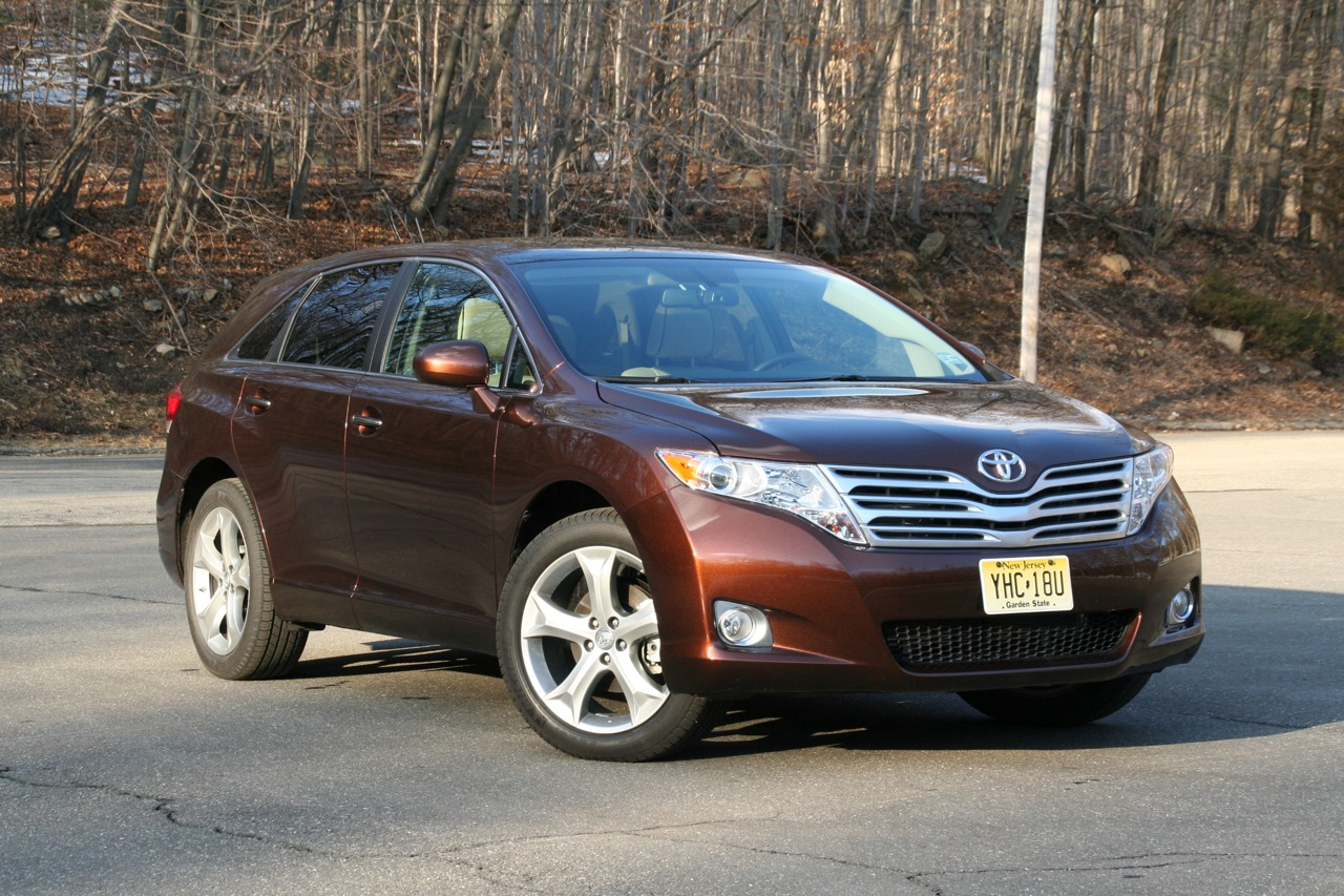 review 2009 toyota venza photo gallery autoblog. Black Bedroom Furniture Sets. Home Design Ideas