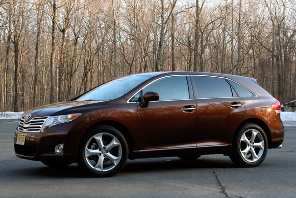 2010 toyota venza reviews autoblog and new car test drive. Black Bedroom Furniture Sets. Home Design Ideas