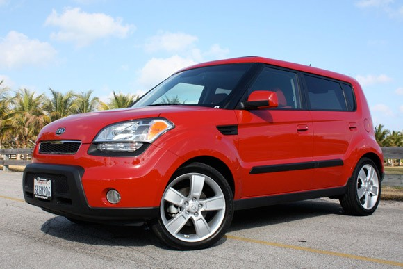 first drive 2010 kia soul sport makes the scene in miami. Black Bedroom Furniture Sets. Home Design Ideas
