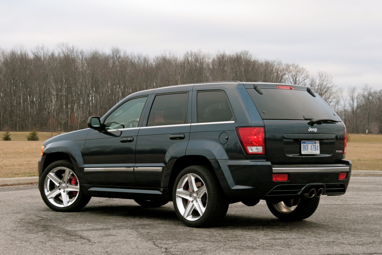 Review 2009 Jeep Grand Cherokee Srt8 Photo Gallery Autoblog