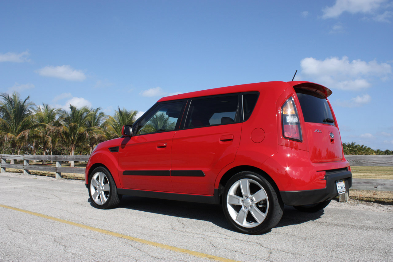 2010 kia soul first drive photo gallery autoblog. Black Bedroom Furniture Sets. Home Design Ideas