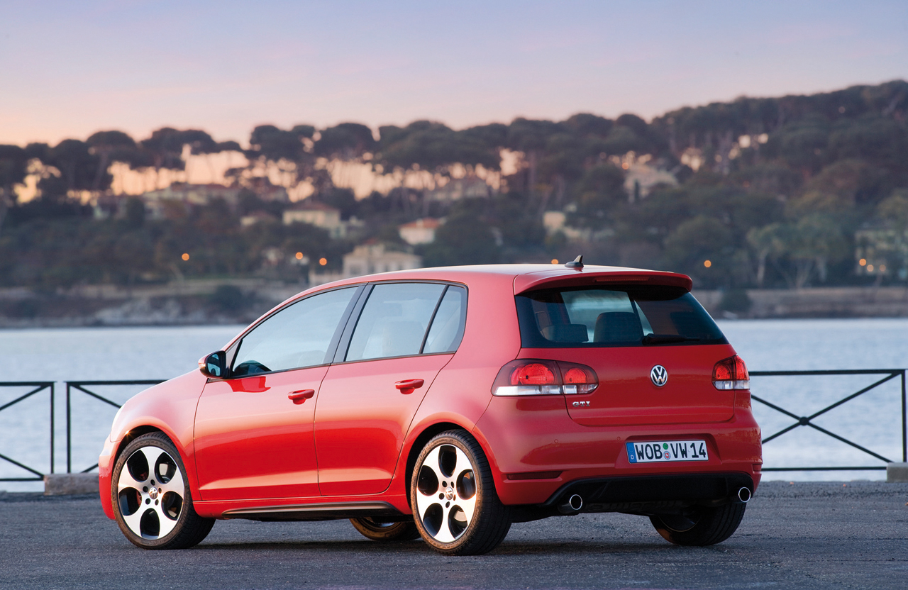 2010 Volkswagen Golf GTI US Version