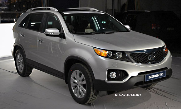 more 2010 kia sorento shots hit the web. Black Bedroom Furniture Sets. Home Design Ideas