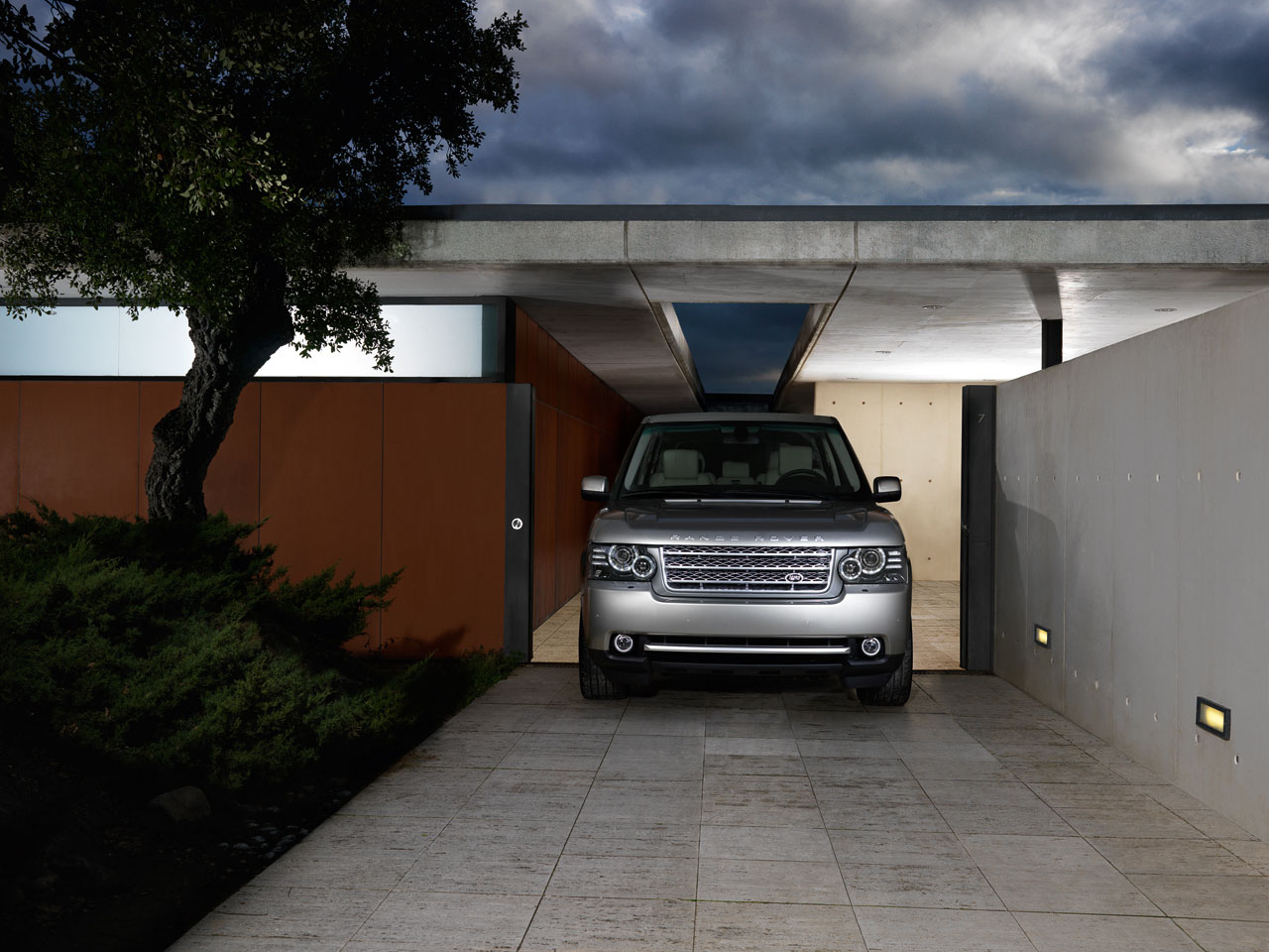 ���� 2010 ������� 02-2010-range-rover-press.jpg