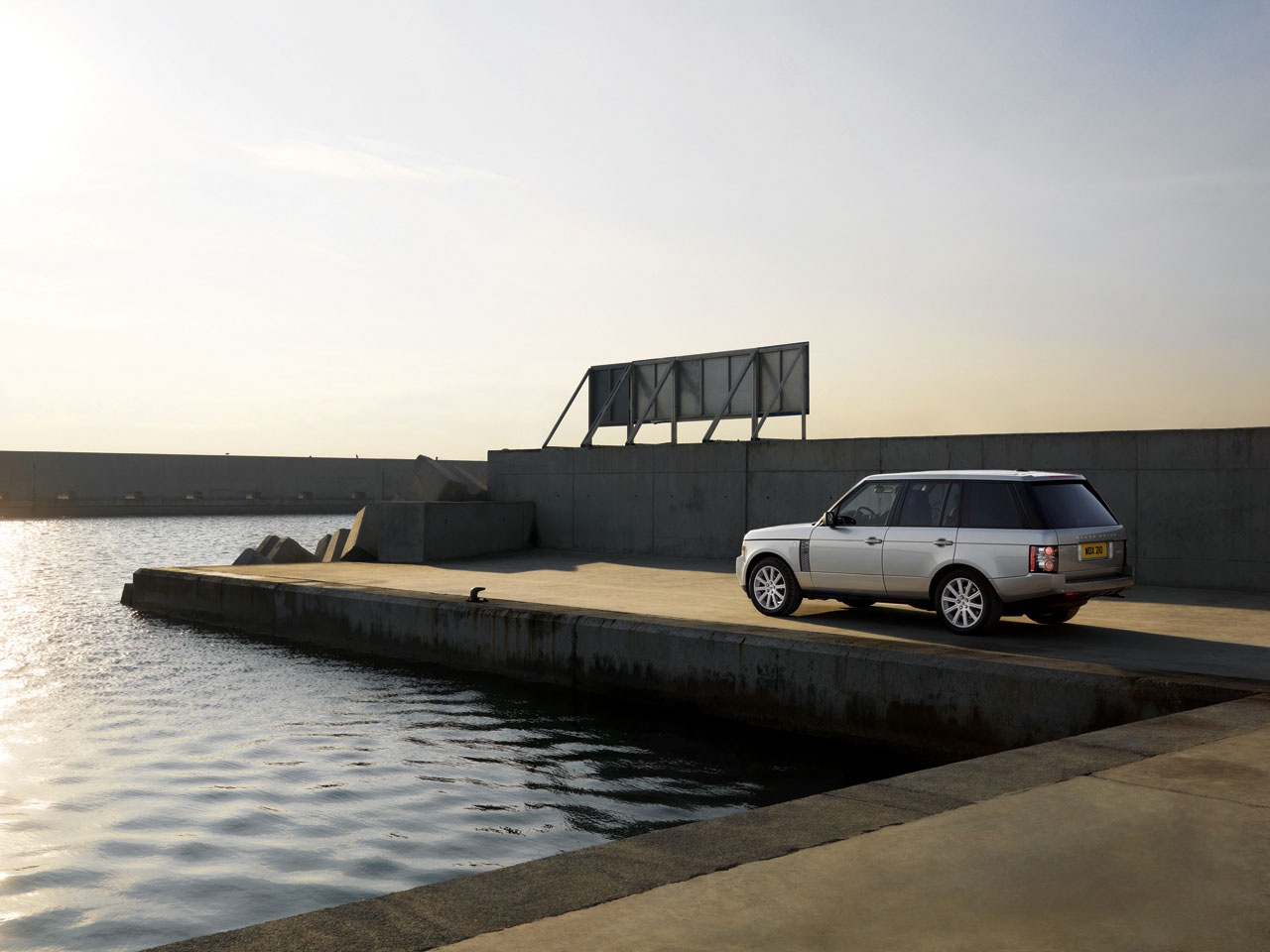 Thread 2010 land rover range rover unveiled