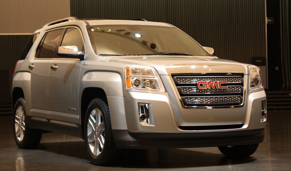 2010 GMC Terrain live shots – Click above for high-res image gallery
