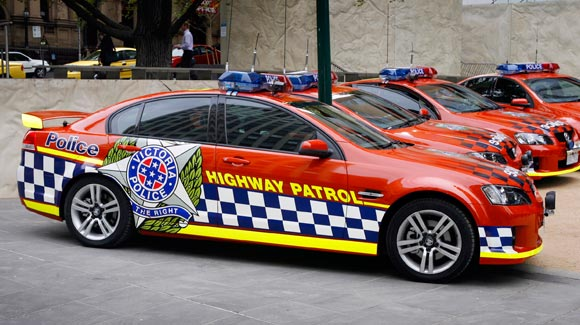 holden-commodore-police-pkg-580.jpg