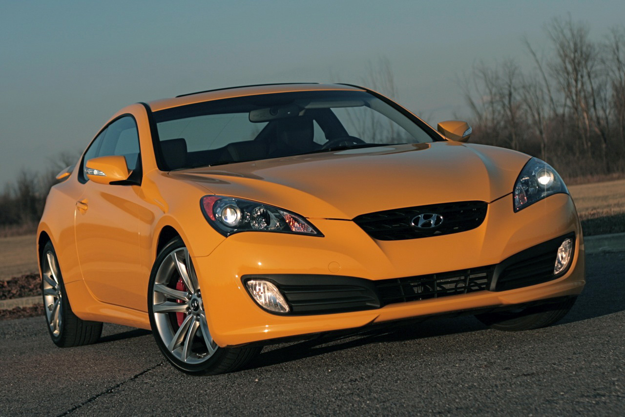 review 2009 hyundai genesis coupe 3 8 track photo gallery autoblog. Black Bedroom Furniture Sets. Home Design Ideas