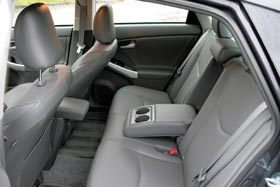 review 2010 toyota prius a miser with new moves autoblog. Black Bedroom Furniture Sets. Home Design Ideas