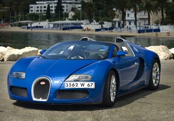 roofless tyrant bugatti veyron 16 4 grand sport enters. Black Bedroom Furniture Sets. Home Design Ideas